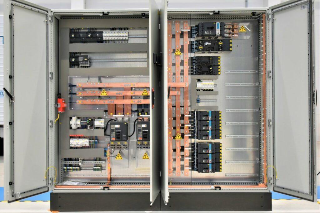 VL Technics - AET Antwerpen